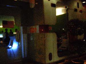 bot restaurant n SoHo, complete with pretentious web-design-nspired decor (10k image)